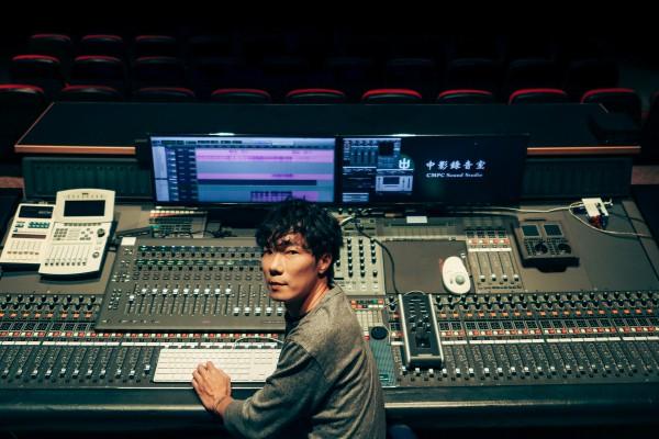 百變配樂盧律銘:把電影故事的密碼,埋在音樂中萌芽
