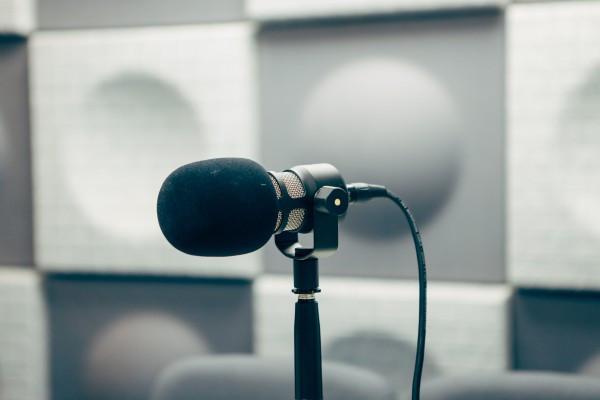 Podcast 浪潮來了, 但廣播並沒有被衝倒