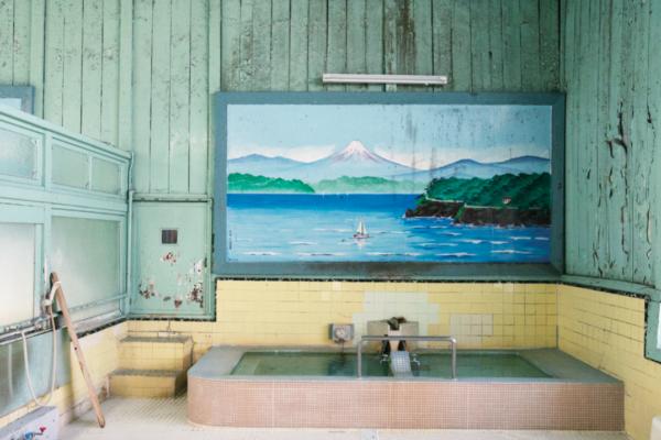 幸福的日式湯屋:最能與陌生人拉近距離的地方