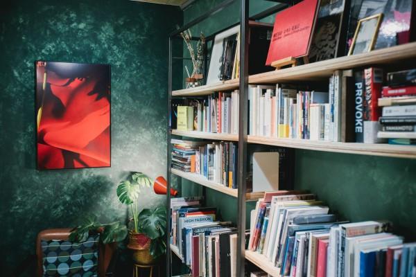 目圍書店:隱藏在台南巷弄中的攝影專門書店