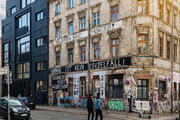 柏林也有龍舟大賽:清潔員化身橘色英雄在城市發光